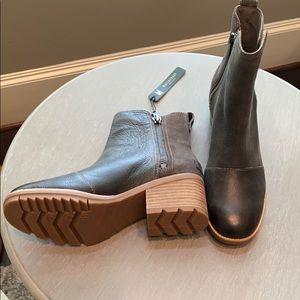 New Sorel Waterproof Cate Boots
